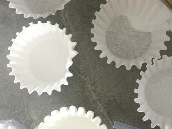 How to use coffee filters to make a Valentines Day wreath