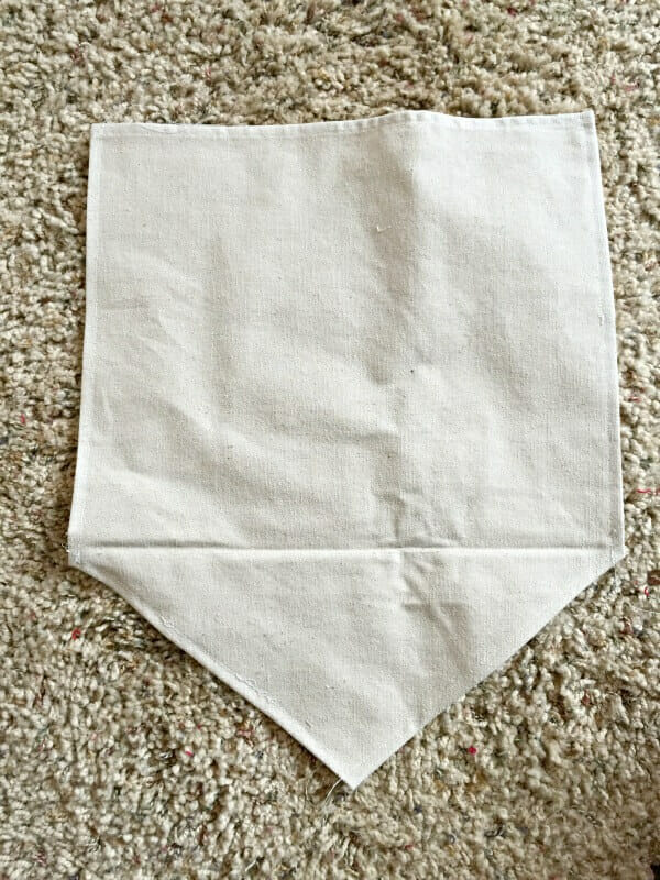 How I made this easy dropcloth fabric sign
