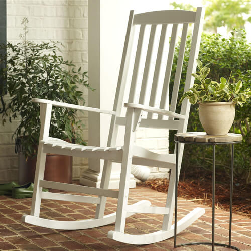 15 Farmhouse Style Rocking Chairs for Your Outdoor Spaces