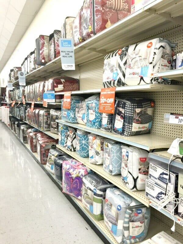 Are you looking for some back to college gift ideas? Big Lots is a great place to start!