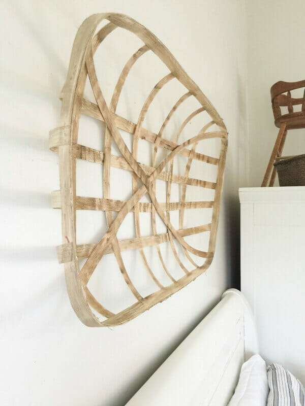 Make your own tobacco baskets and save a bunch of money! These are so easy to make and add the perfect farmhouse decor to your home!