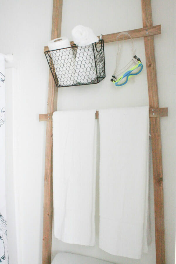 Make this over the toilet towel storage ladder! Its easy and so stylish and you can make it in under an hour!