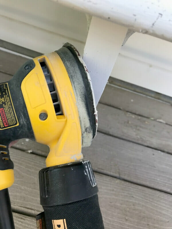 Distressing furniture using an orbital sander is so easy! It takes less than 5 minutes to distress a piece of furniture! Check out these furniture distressing tips!
