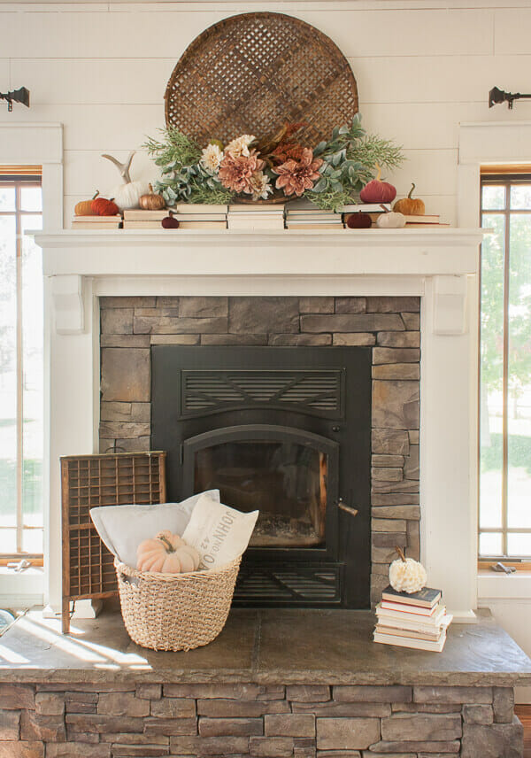 I love this simple and feminine fall mantel decor! So effortless and easy to decorate with