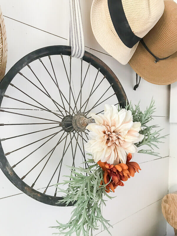 Check out this amazingly easy bicycle wheel wreath made for fall!  Love how simple it was to make