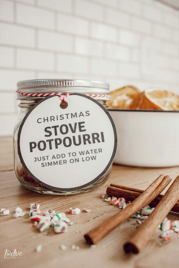 Make this Christmas simmering potpourri as a gift for friends and neighbors...they will be wowed!