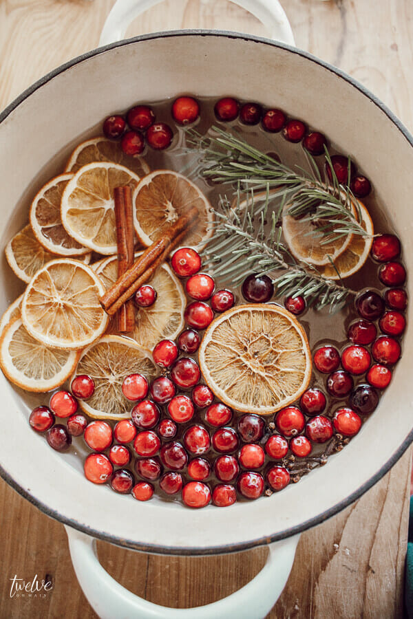 Make this easy stovetop potpourri and your home will smell heavenly!