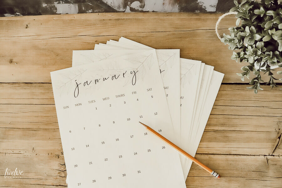Make sure to get this FREE printable calendar and organize your life now!