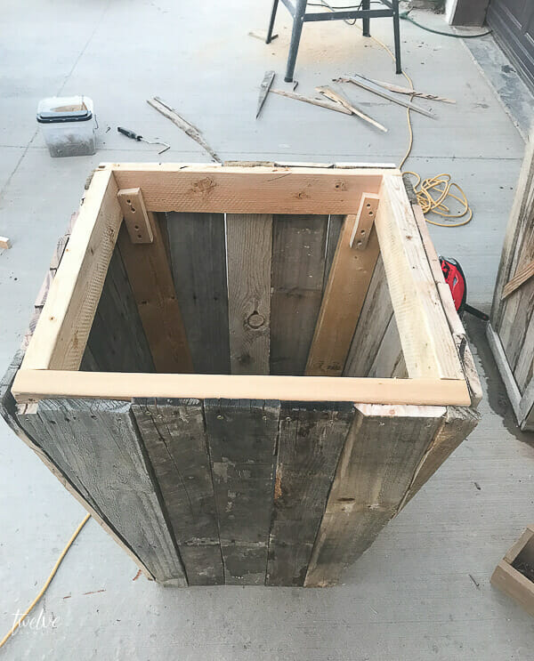 How to make pallet planter boxes
