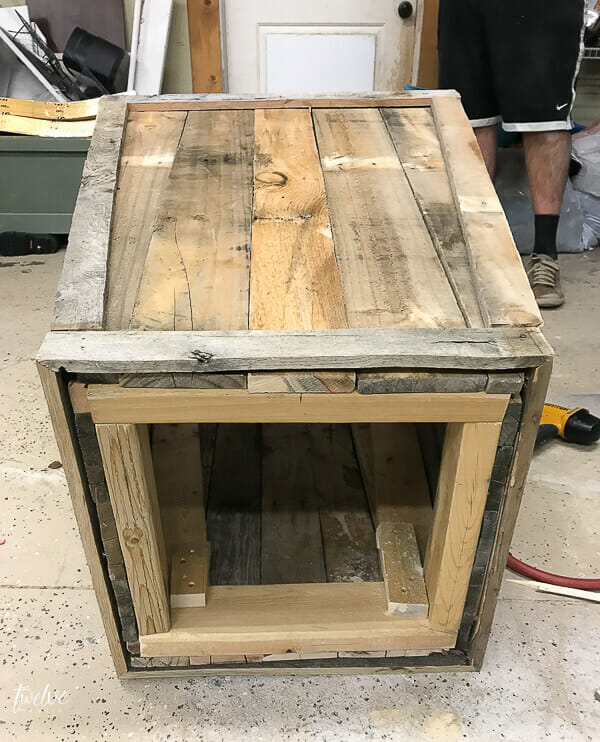 Step by step tutorial on how to make a pallet planter