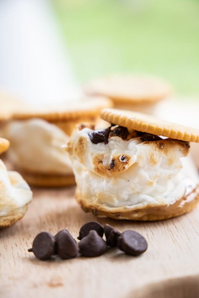 Peanut butter Ritz cracker smores recipe