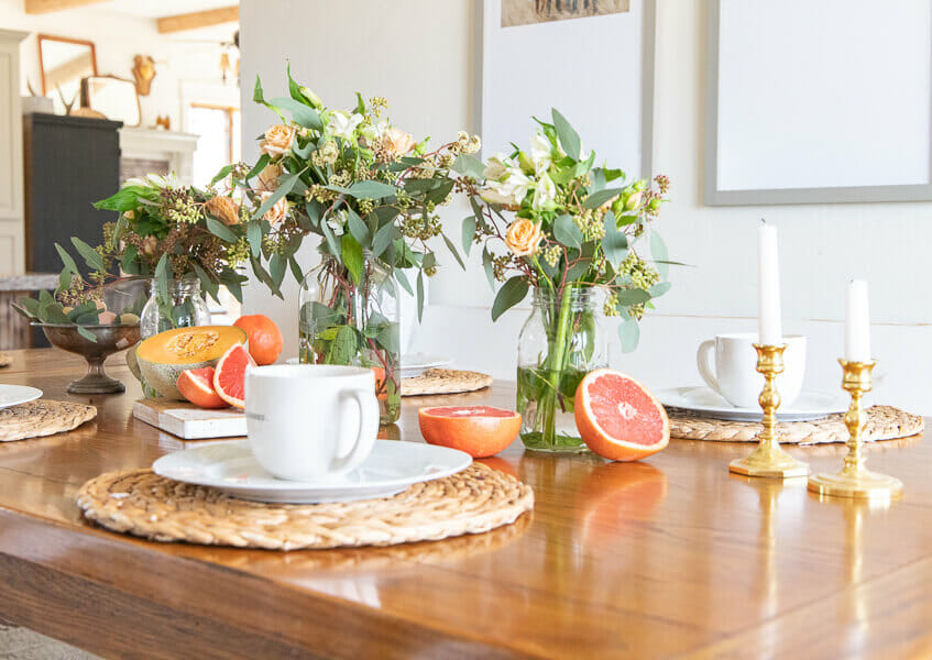 Spring tablescape ideas to give your home a fun bright space! Check out all these great spring inspired table ideas. There are so many!