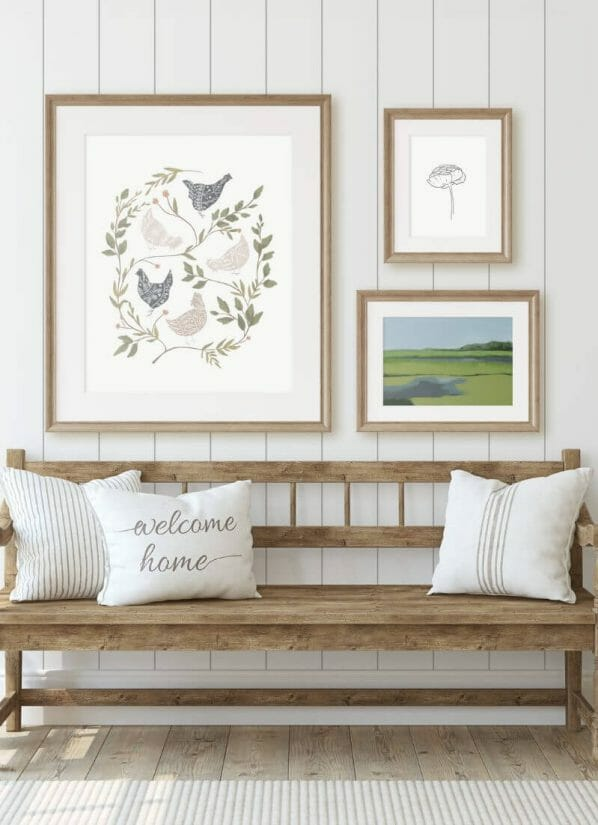 Get your hands on this FREE farmhouse style chicken printable right to your computer!