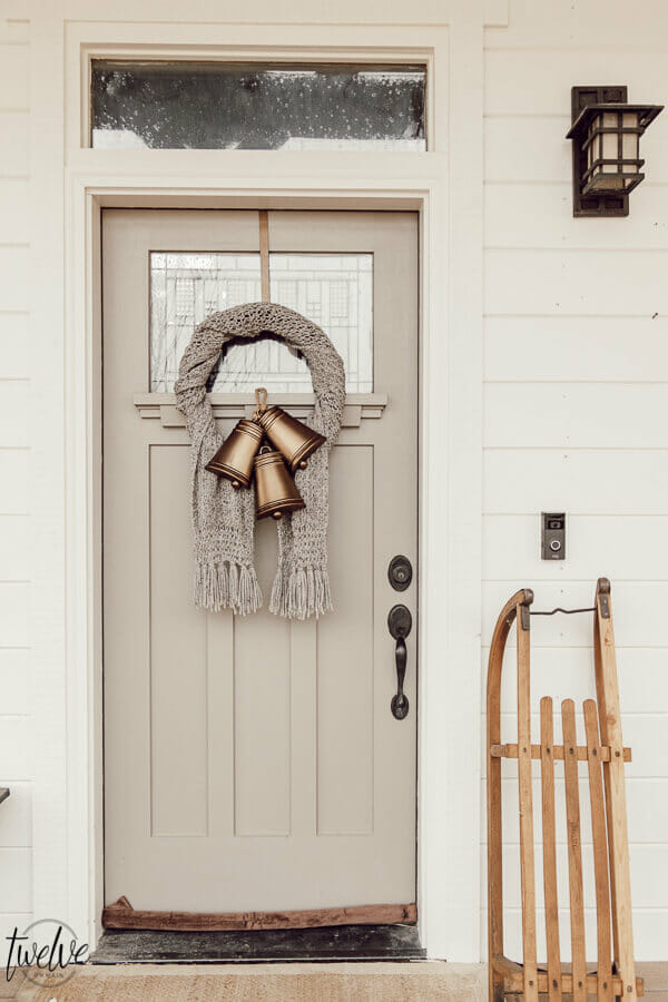 Simple and gorgeous winter wreath ideas that you can make at home and not spend a ton of money on craft products either!